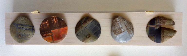 Zonneschijfjes in papierporselein -voorbeeld materialen Keramiek en Porselein