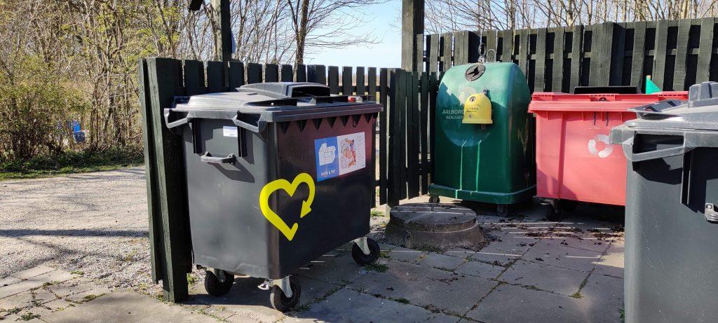 Håndtering af affald i Voerbjerglund foregår ved at bruge de forskellige containere