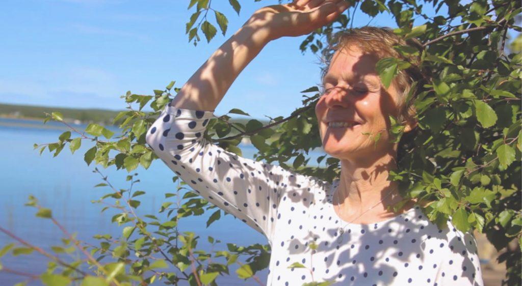 Anna Birch toning Summer Solstice