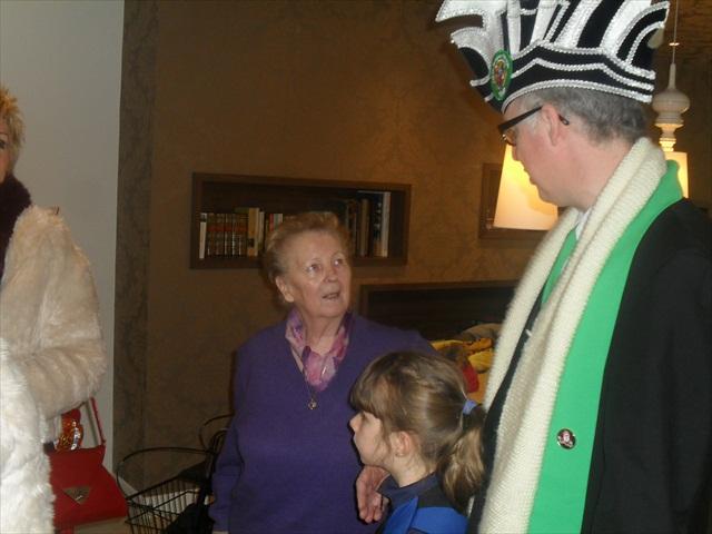 Bezoek Rusthuizen en afscheid Carnaval 2013 004