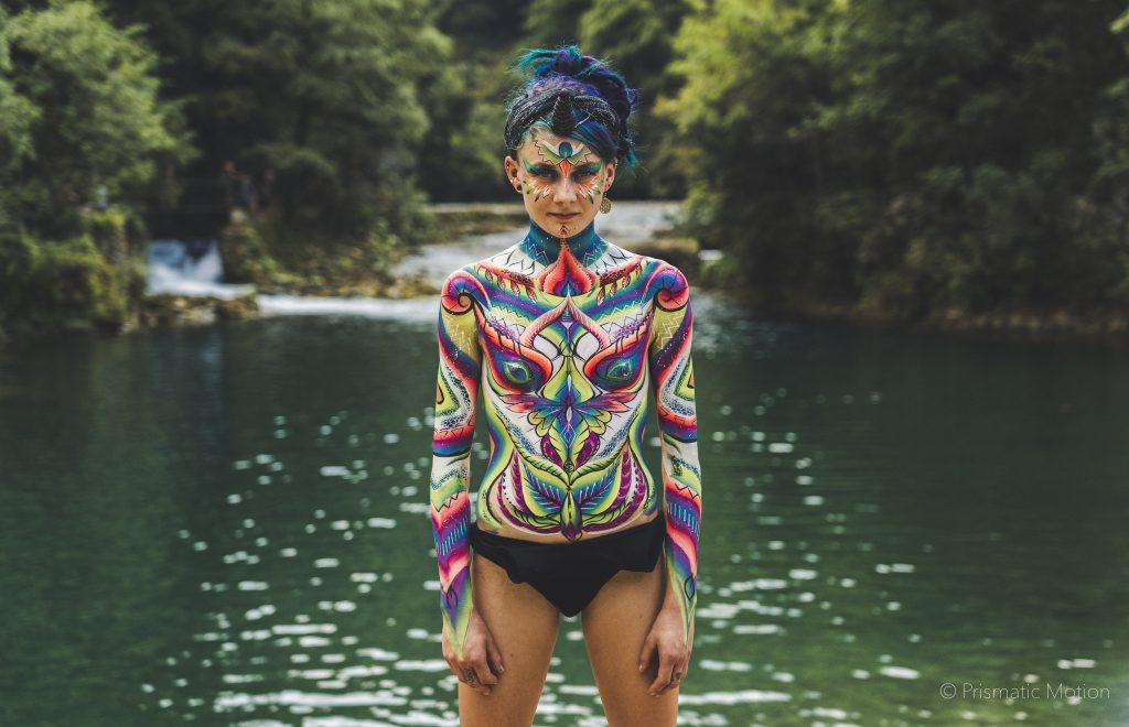 Girl with body paint at Modem festival