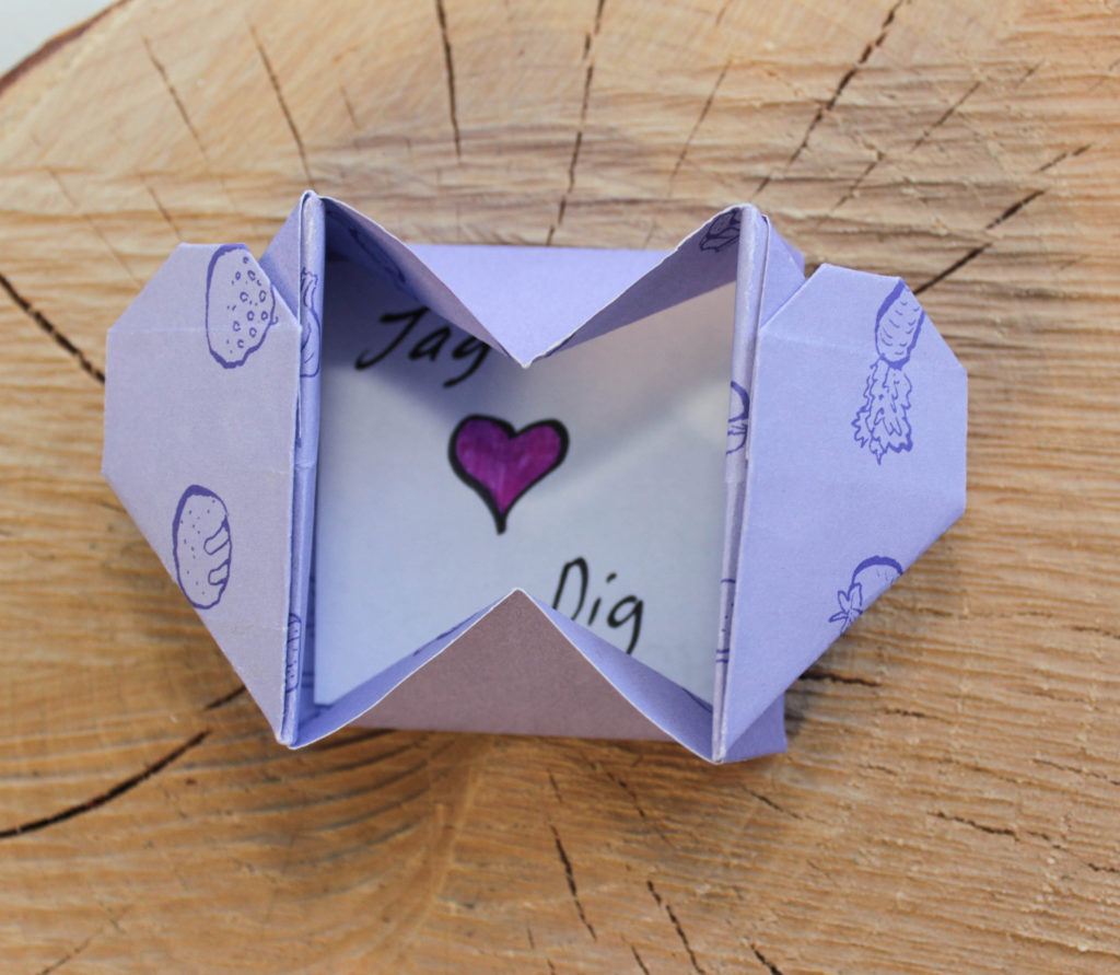 Inuti kortet står det jag älskar dig!