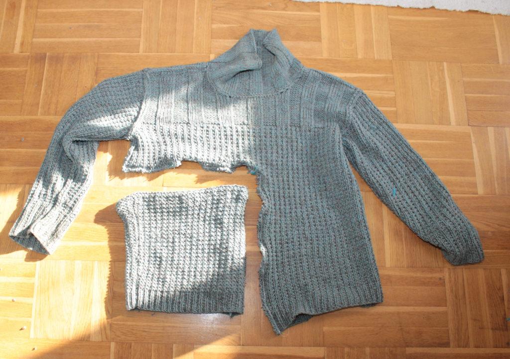 Bild på fuskkrage tillsammans med tröjan.