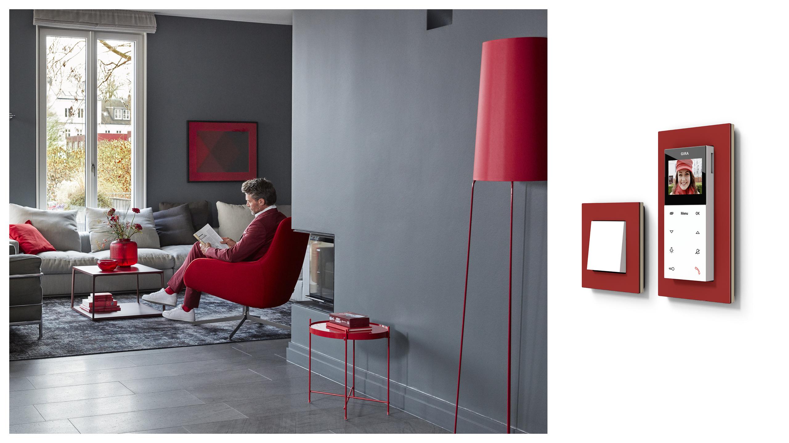 Bild zeigt Wohnraum mit Gira Esprit Linoleum Multiplex