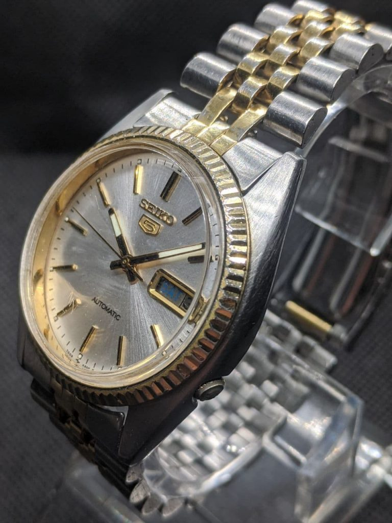 Watch Repair UK - complete seiko DateJust 7009 Repair raised acrylic crystal