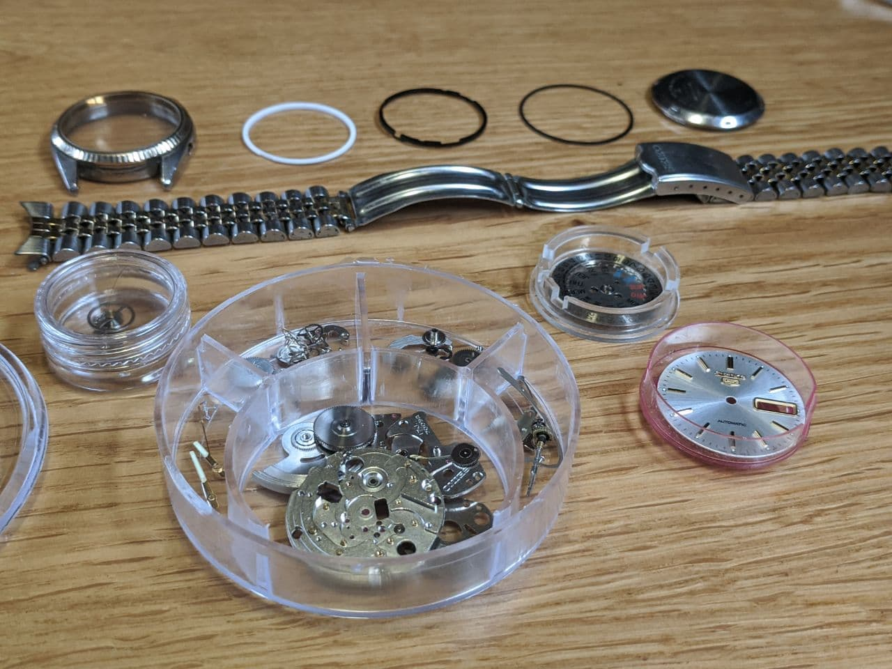 Watch Repair, UK service - Strip Down DateJust Movement Seiko 7009 all components parts