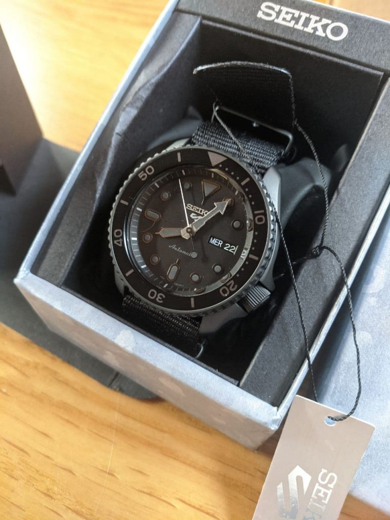Seiko SRPD79 Displayed in original condition in original packaging. Black Coloured Seiko Dive Watch Stainless steel Base.