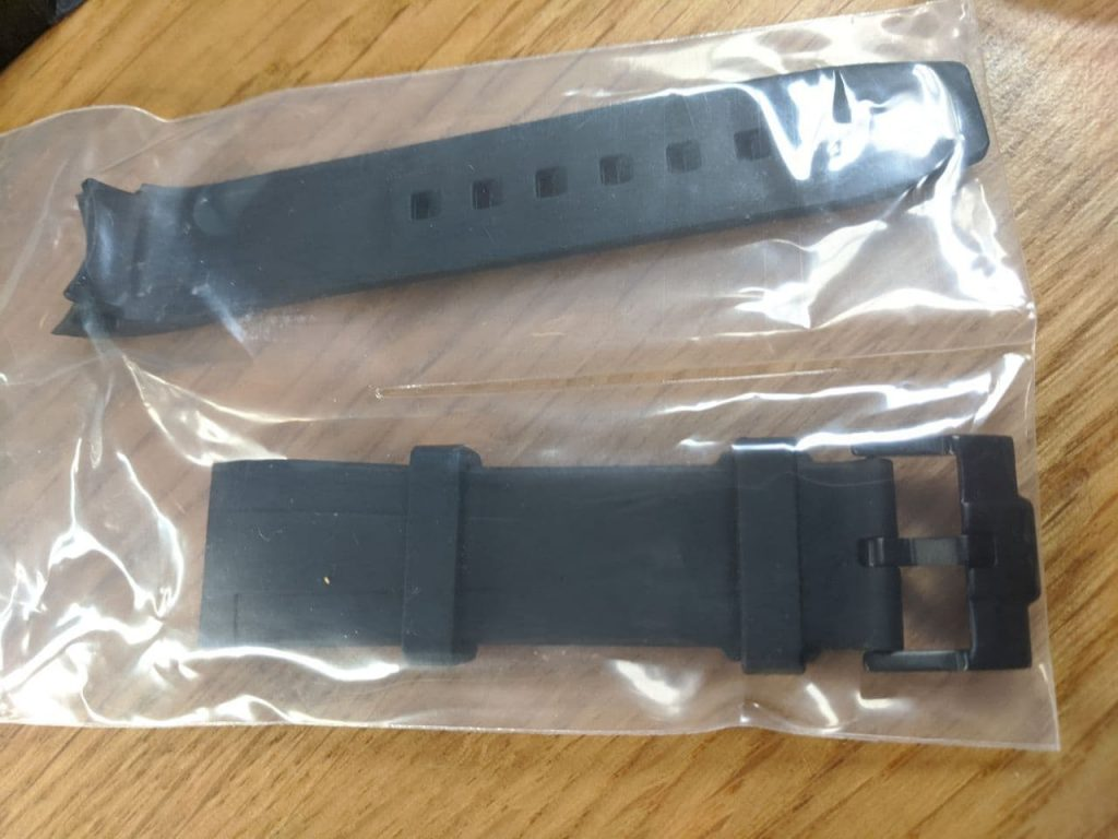 Rubber oyster Bracelet 2 peice in original packaging supplied by DLW watches - installed by wellingtime UK