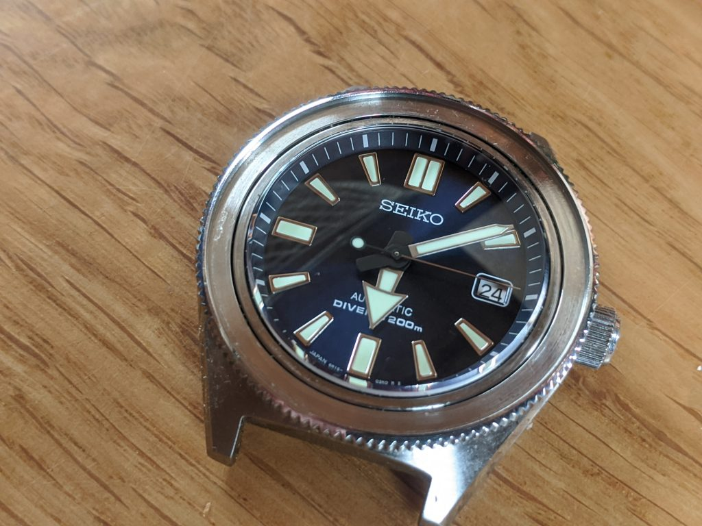 Seiko Prospex Air Diver Mod - without bezel insert - cleaned and ready for new bezel insert installation. Seiko mods by wellingtime.