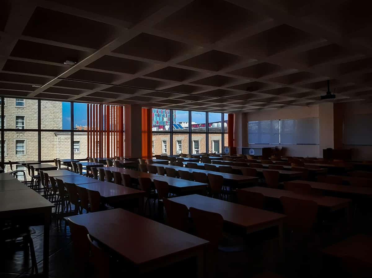 Lees meer over het artikel Minder scholen gesloten dan in december