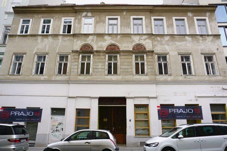 Vorgründerzeithaus in der Zieglergasse 52, Wien-Neubau, vor dem Abriss