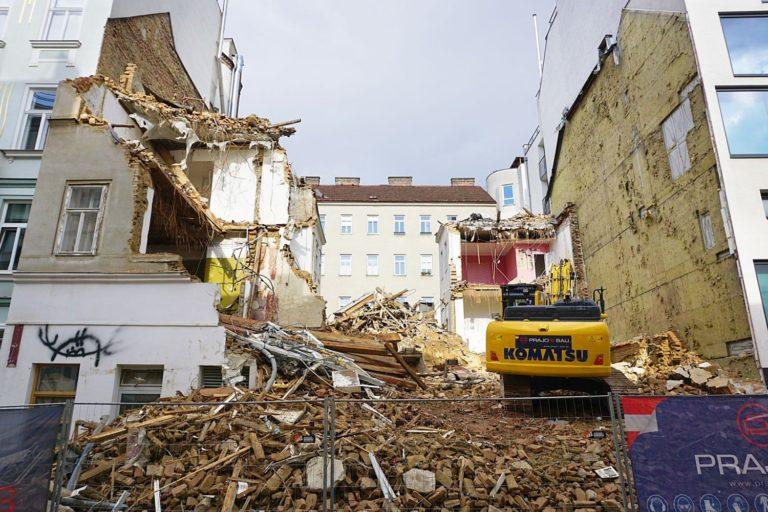 Vorgründerzeithaus Zieglergasse 52 wird abgerissen, Wien-Neubau