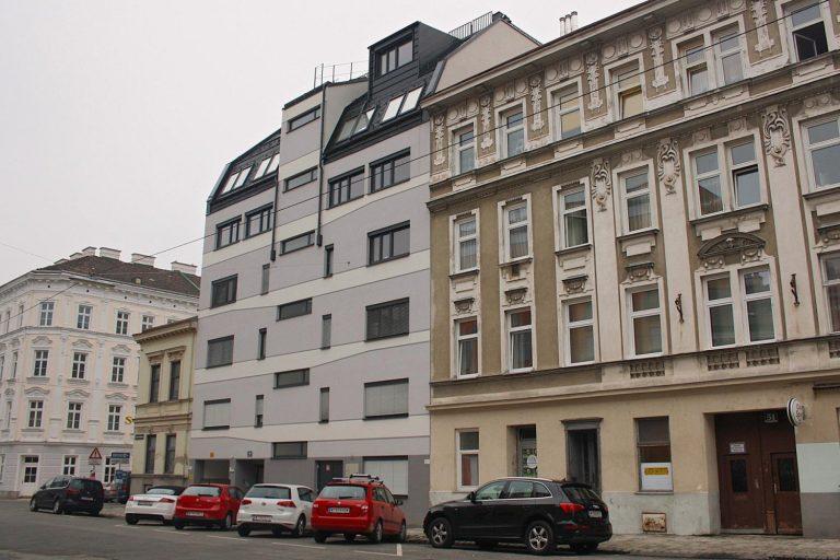Neubau Degengasse 49 zwischen Gründerzeithäusern in Wien-Ottakring (16. Bezirk)