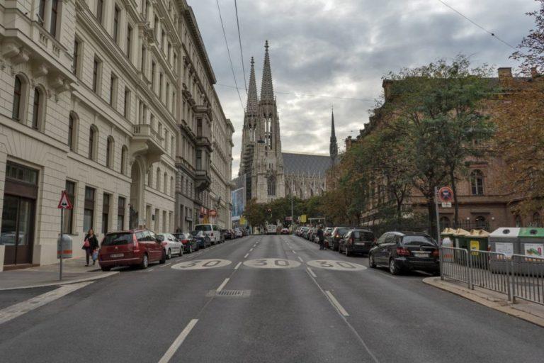 Hörlgasse in Richtung Votivkirche, 1090 Wien