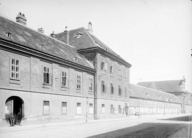 historische Aufnahme der Rennweg-Kaserne