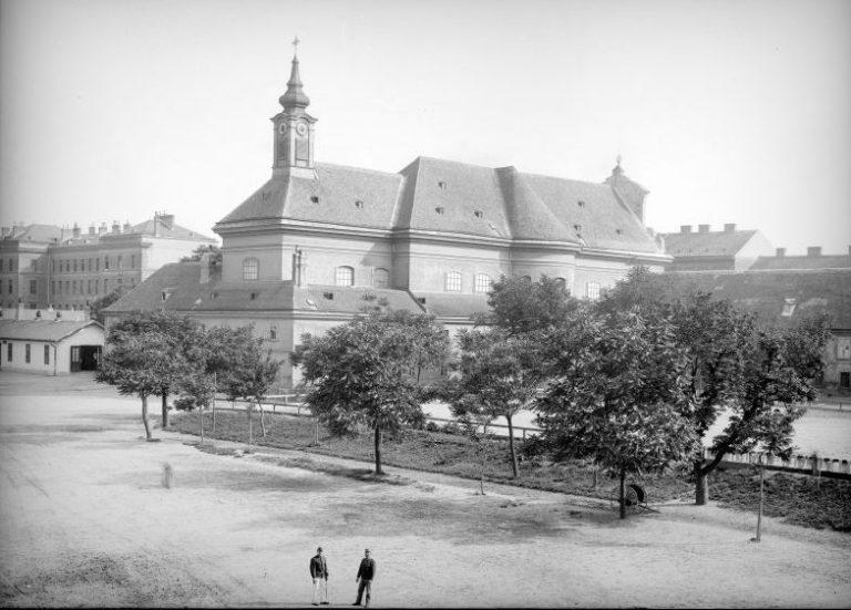 historische Aufnahme der Waisenhauskirche am Rennweg