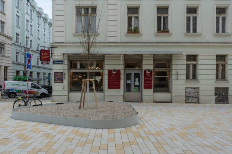 Fußgängerzone vor dem Cafe Jelinek, 1060 Wien