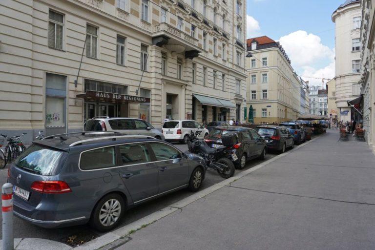 Königsegggasse vor der Umbau zur Fußgängerzone, Wien-Mariahilf