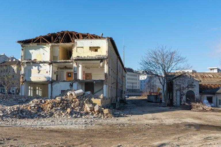 ÖBB-Gebäude am Neuen Landgut wird abgerissen, Wien, 10. Bezirk