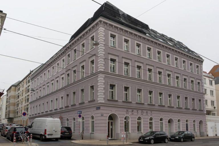 Gründerzeithaus Mariahilfer Straße 182, durch eine Gasexplosion beschädigt und später rekonstruiert, 15. Bezirk, Wien