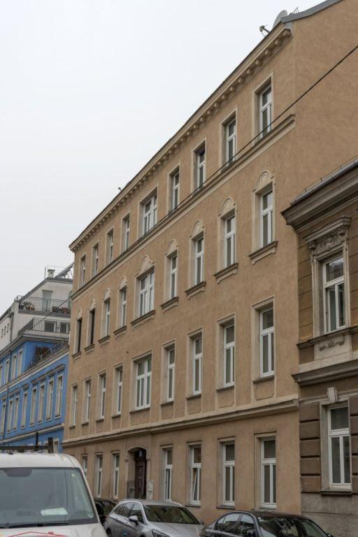 Gründerzeithaus in der Toßgasse 8 in Rudolfsheim-Fünfhaus, Wien