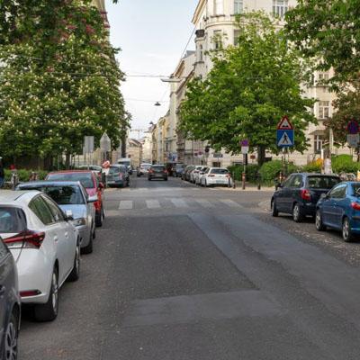 Wenig Platz am Bennoplatz
