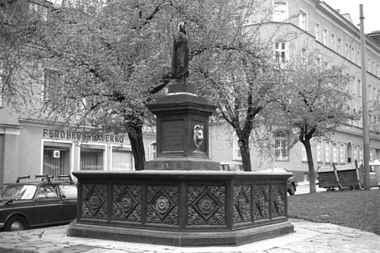Isisbrunnen am Albertplatz, Aufnahme aus dem Jahr 1979, Wien