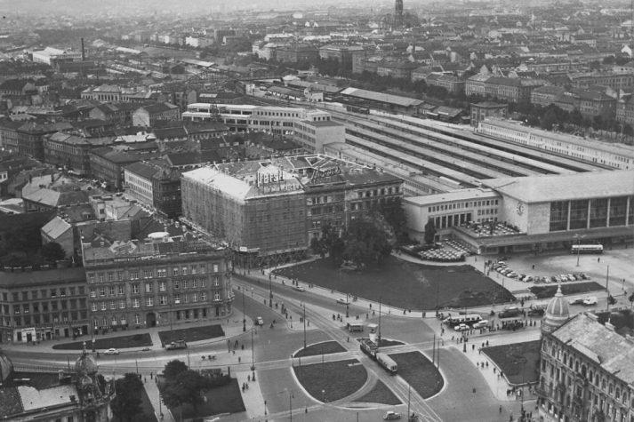 altes Luftbild des Wiener Westbahnhofs