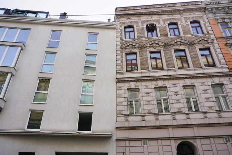 Neubau und Altbau in der Hernalser Hauptstraße, in einer Schutzzone