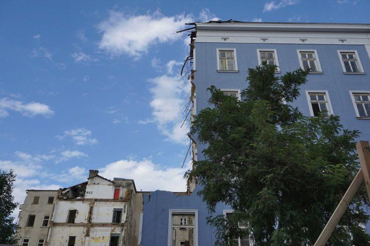 Blaues Haus (Mariahilfer Straße 132) in Wien, Rudolfsheim-Fünfhaus (15. Bezirk), bei Abriss wegen IKEA-Neubau