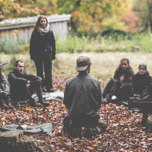 bushcraft yoga naturverbindung leave no trace überlebenstraining für einsteiger Rostock survival abenteuer feuer wild wandern camping wald natur mecklenburg vorpommern familie erwachsene kinder