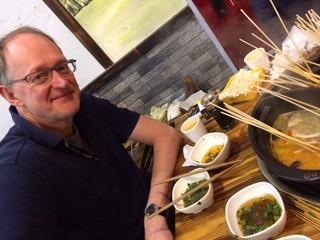 Chef eating hotpot photo: ©️Nel Brouwer-van den Bergh