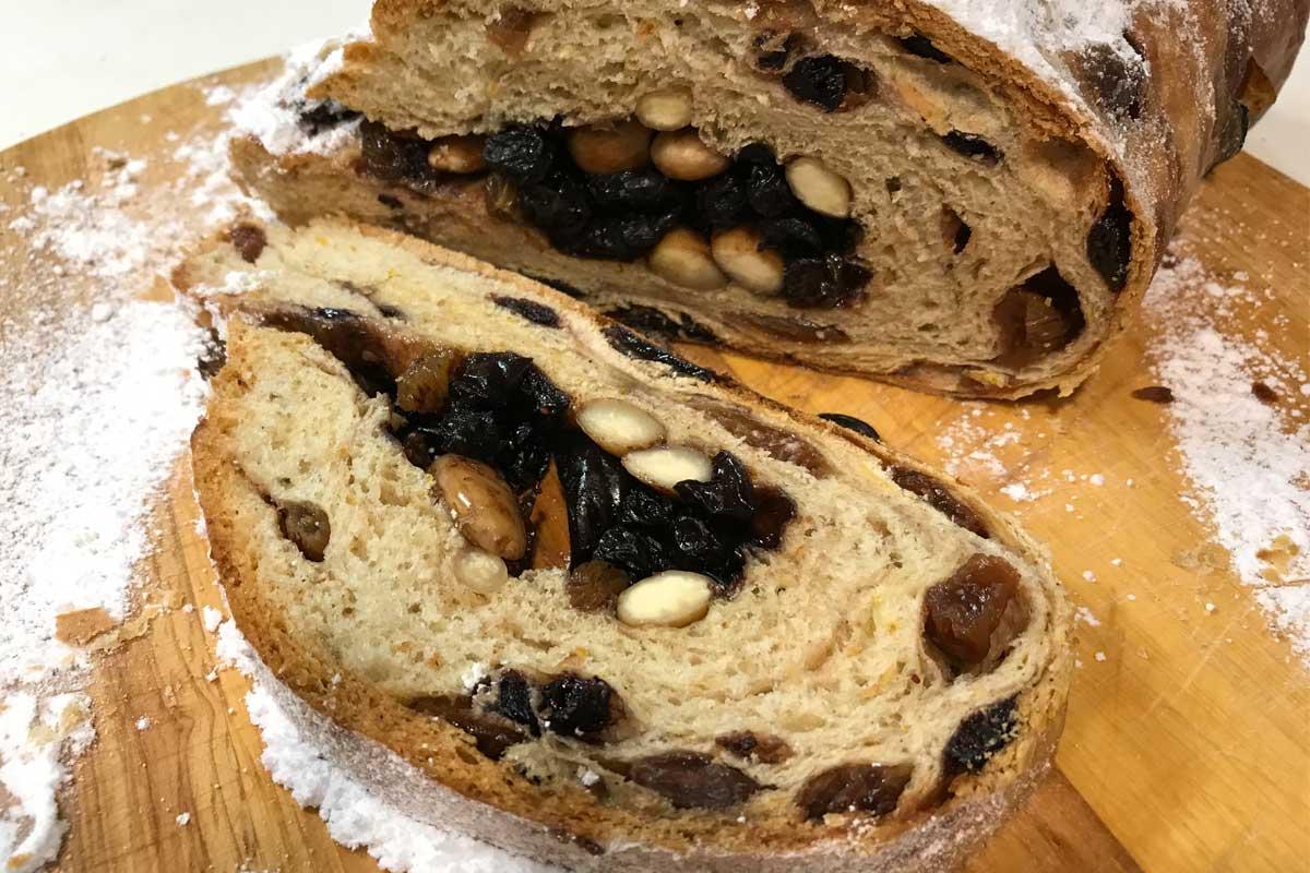 Weihnachten stollen (nut and raisin bread) ©️Nel Brouwer-van den Bergh