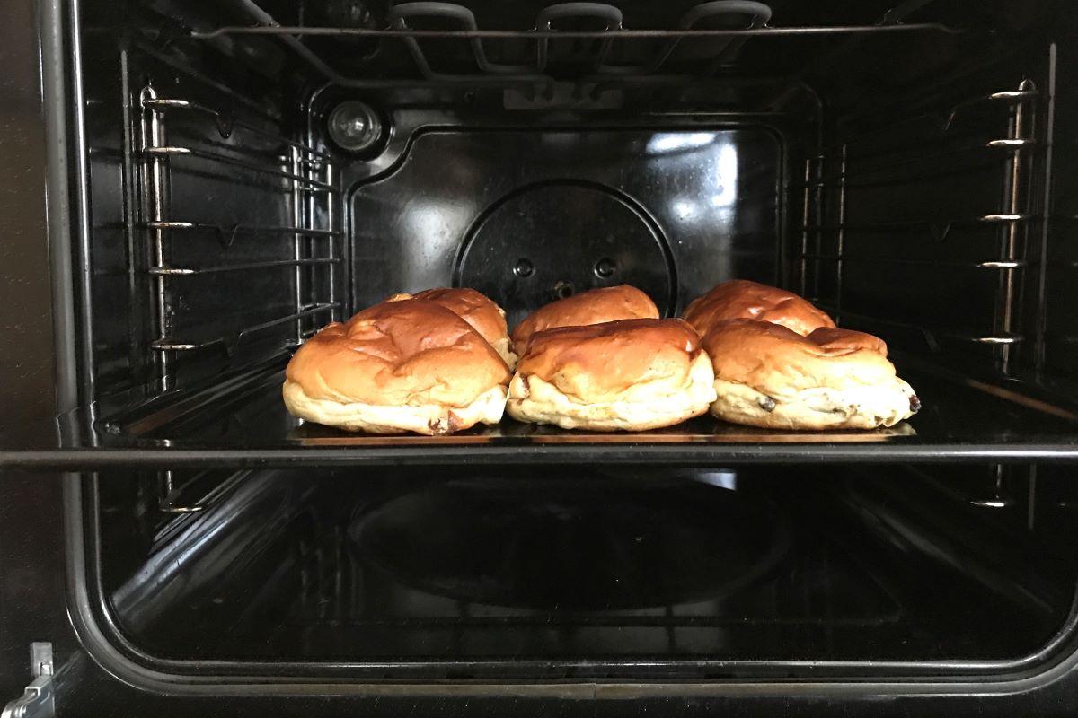 oven baking photo: ©️Nel Brouwer-van den Bergh