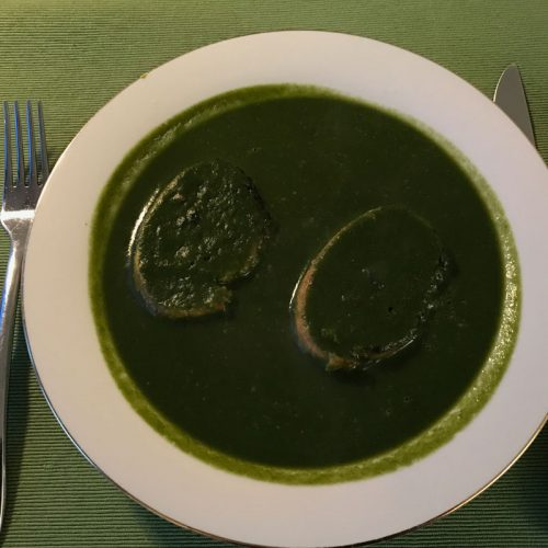 Spinach soup with garlic croutons photo: ©️Nel Brouwer-van den Bergh