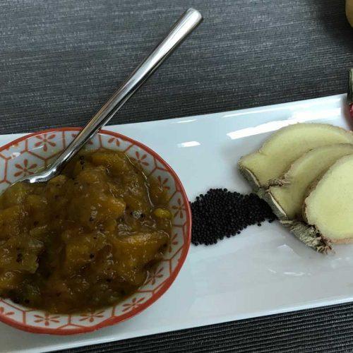 mango chutney and ingredients photo: ©️Nel Brouwer-van den Bergh