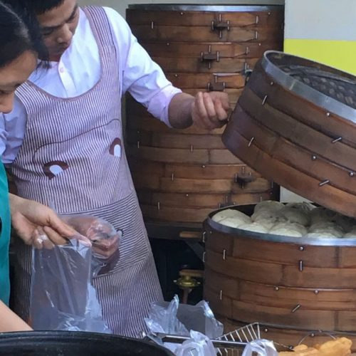 steaming baozi in Chengdu photo: ©️Nel Brouwer-van den Bergh