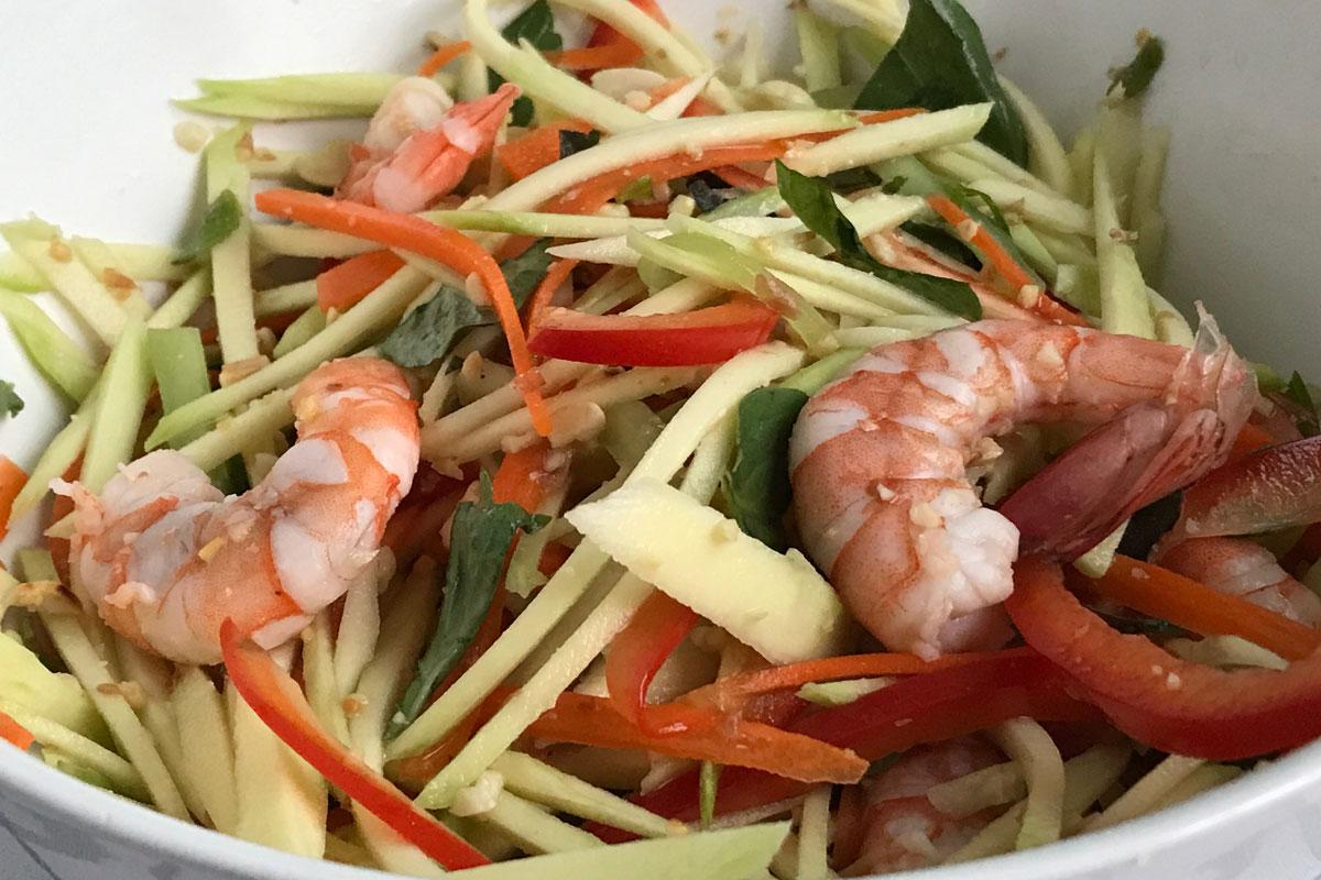 Vietnamese green mango salad: ©️ Nel Brouwer-van den Bergh