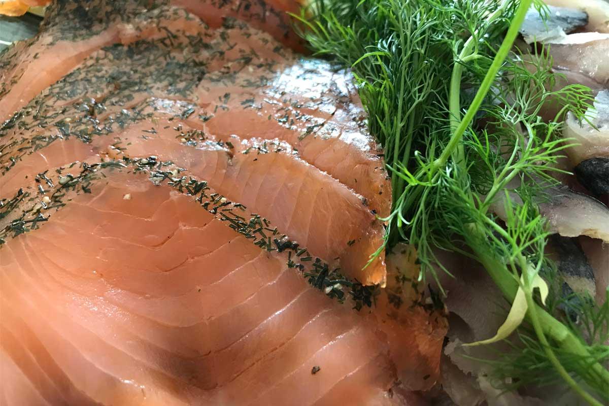 curing fish (e.g. gravad laks) ©️ Nel Brouwer-van den Bergh