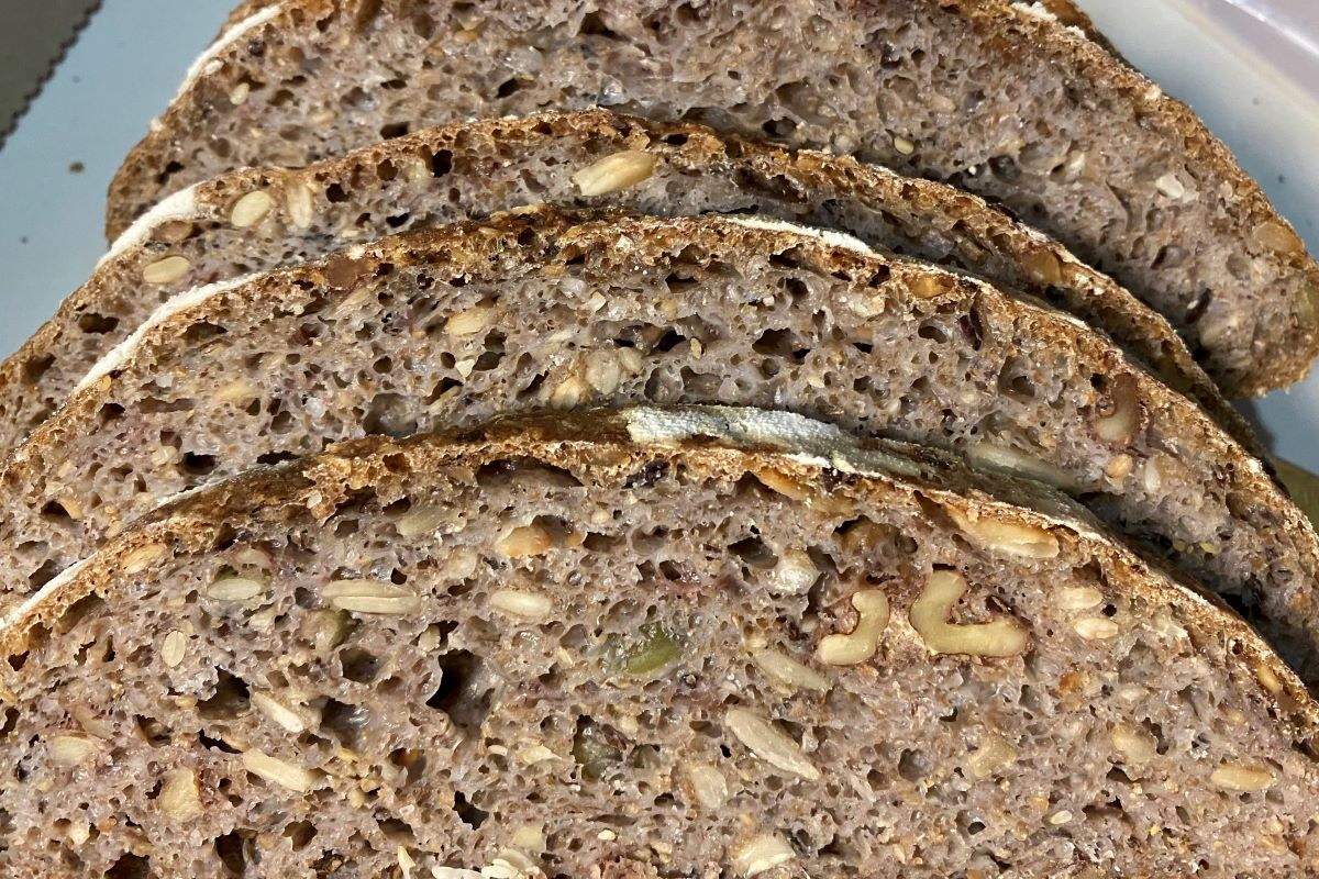 sourdough multi grain and seed bread ©️ Nel Brouwer-van den Bergh