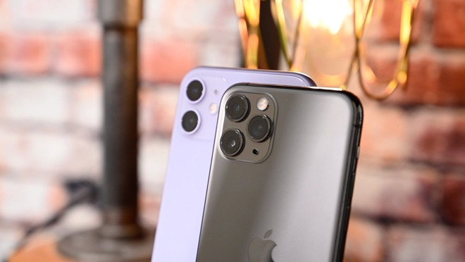 iPhone 11 (left) and iPhone 11 Pro (right)