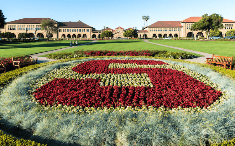 Coronavirus has forced business schools to extend their 2020 MBA application deadlines ©spvvk