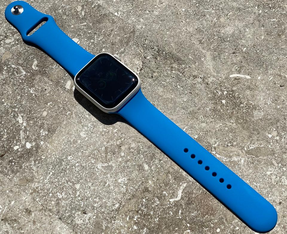 The new Surf Blue Apple Watch Sprrt Band