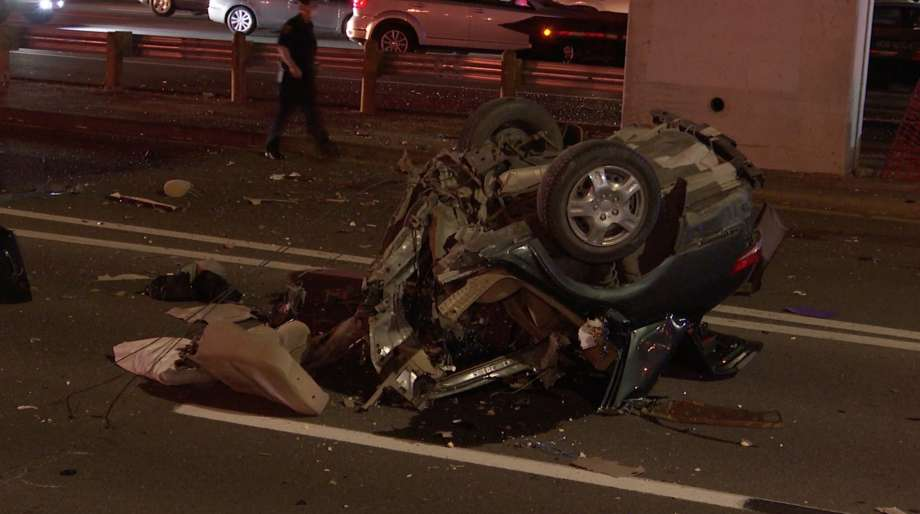 Houston police investigate a deadly crash along the U.S. 59 feeder road near Hillcroft Avenue on Sunday, May 3, 2020. Photo: OnScene.TV