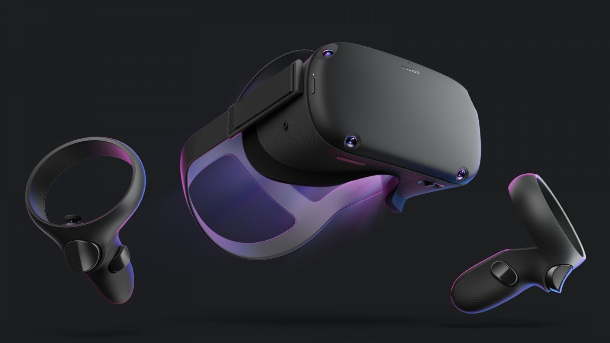 An Oculus Quest with two touch controllers.