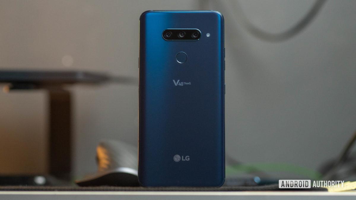 LG V40 ThinQ rear panel