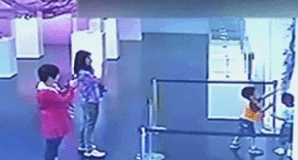 Security footage from the Shanghai Museum of Glass shows that adults pulled out their smartphones to record the kids vandalizing art by Shelley Xue. Image courtesy of the Shanghai Museum of Glass.