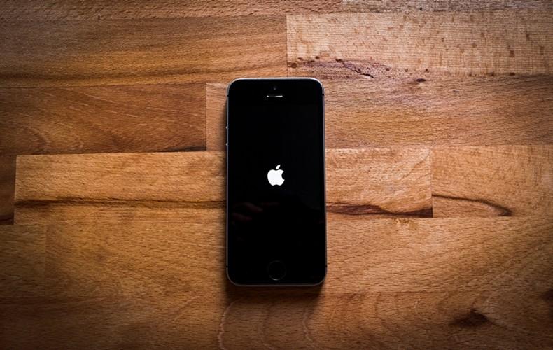 pexels-mateusz-dach-iphone