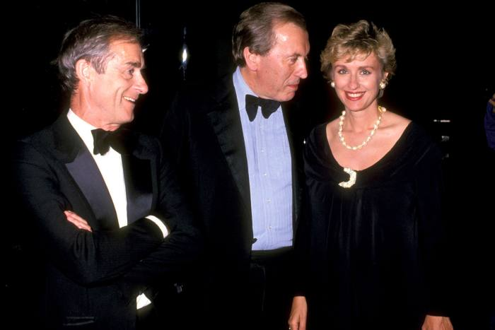 Harold Evans, Tina Brown and David Frost attend a gala for Helen Gurley Brown's 25th anniversary as editor of Cosmopolitan on June 25 1990, at the Rainbow Room in New York City