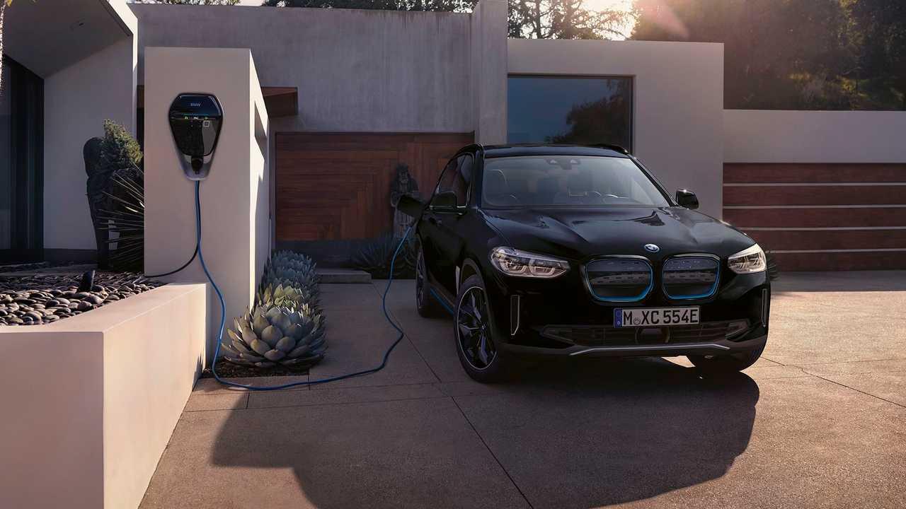 BMW iX3 Premier Edition